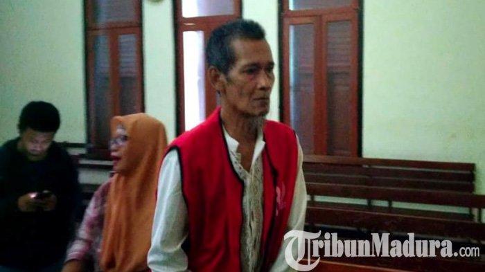 Hanya Pakai Popok, Balita Surabaya ini Diikat Ayah Kandungnya di Gubuk Tua Sendirian