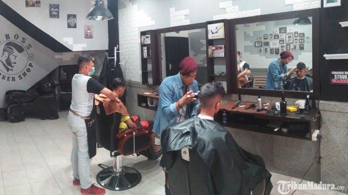 Promo Bulan Ramadan, Potong Rambut di Babershop Mr BossSurabaya Bisa Bayar Seikhlasnya