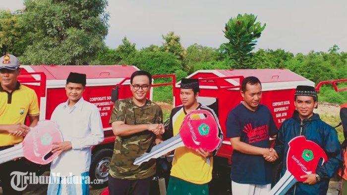 6 Pesantren Pesantren di Pamekasan DapatKendaraan Sampah, Diserahkan LangsungBupati Baddrut Tamam