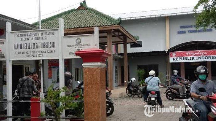 Pemdes Tunggulsari Tulungagung Blokade Akses Jalan ke Rumah Pasien Positif Covid-19 Pakai Bambu