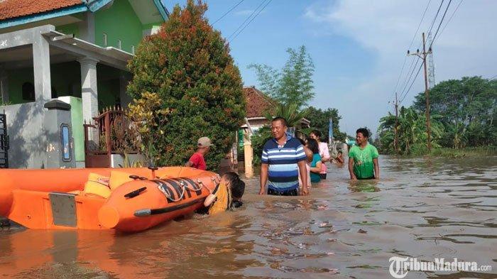 Wilayah Pasuruan Timur Terendam Banjir, Akses Jalan AlternatifProbolinggo Menuju Purwosari Putus