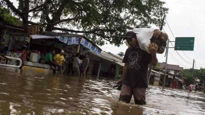 5 Kereta Api Relasi Jakarta Tujuan Surabaya Telat Akibat Banjir, Penumpang Diberi Service Recovery