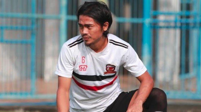 Bek Madura United Andik Rendika Rama Akui Pasrah soal Kontrak Baru Akibat Penundaan Kompetisi