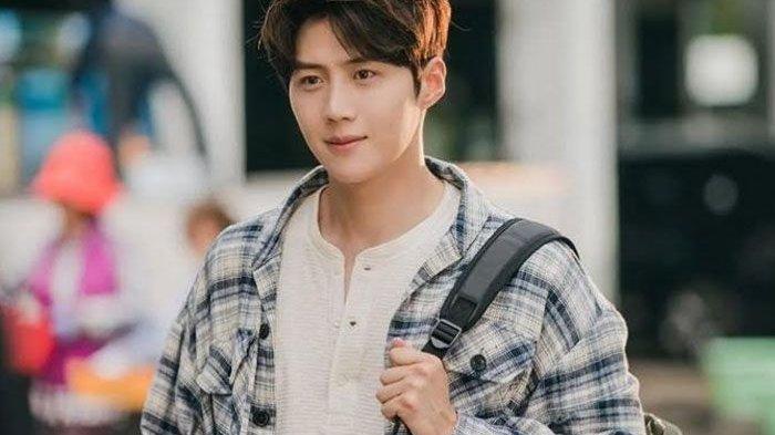 5 Drama Korea Terbaik yang Dibintangi Kim Seon Ho, Pemeran Hong Doo Shik di Hometown Cha Cha Cha