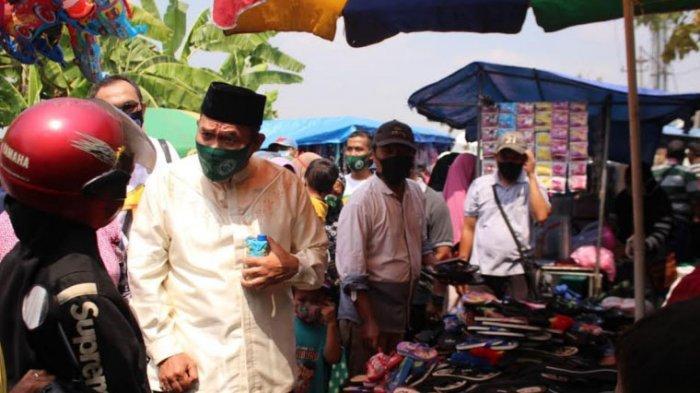 Kunjungan ke Pasar Legi Jogosatru, BHS - Taufiq Siap Kembangkan Pasar Rakyat di 18 Wilayah Kecamatan