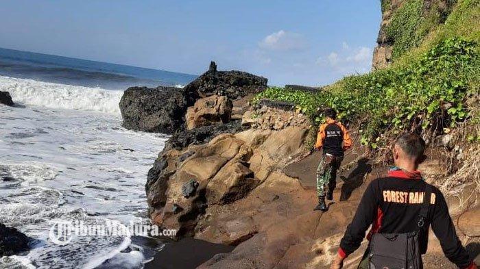 Main Air di Pantai, Bocah 7 Tahun Hanyut di Pantai Selatan di Lumajang, Air Laut Tiba-Tiba Pasang