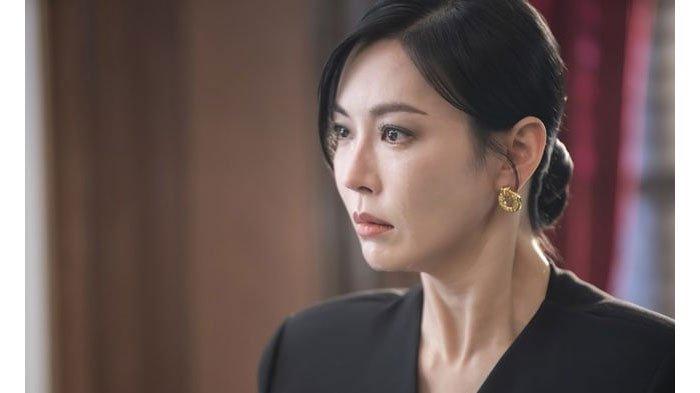 SPOILER The Penthouse 2 Episode 5, Cara Cheon Seo Jin Bungkam Joo Seok Kyung soal Rahasianya