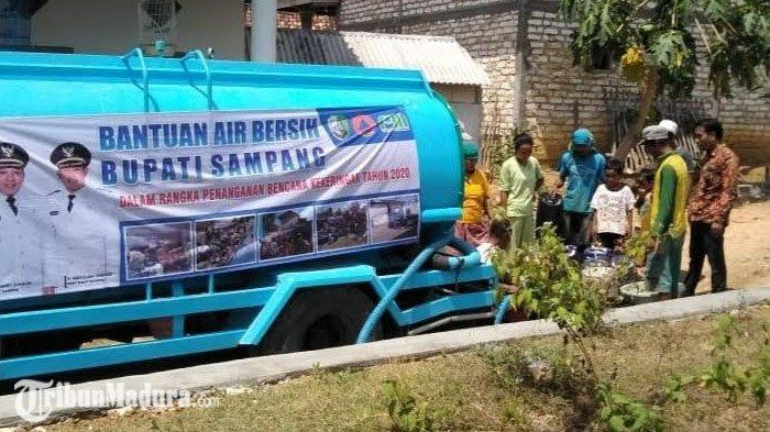 Sudah Mulai Turun Hujan, BPBD Sampang Tetap Dropping Air ke Desa yang Kekeringan, Begini Alasannya