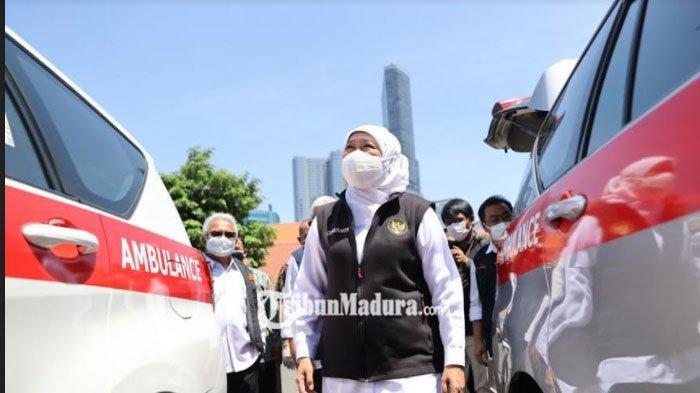 Khofifah Serahkan 7 Ambulans ke UPT Tresna Werdha, Maksimalkan Penjangkauan Layanan PMKS Jatim