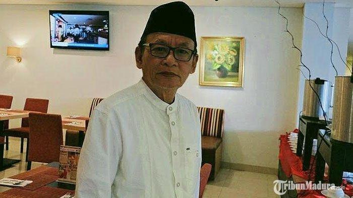 Budayawan Madura, D. Zawawi Imron.
