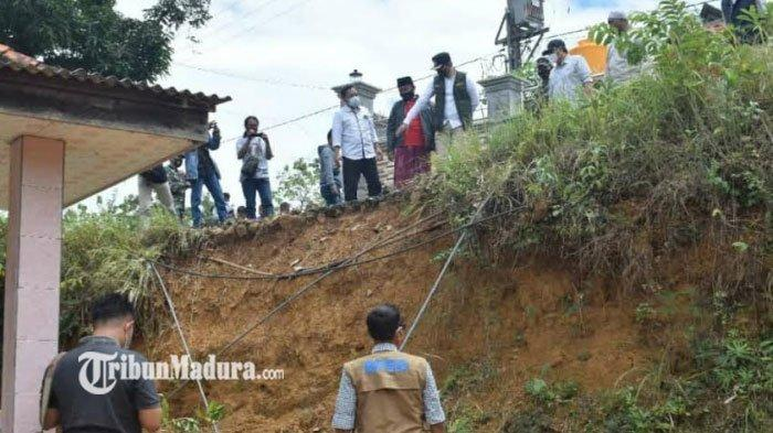 Perbaikan Jalan Ambles di Dusun Larlar Bangkalan Segera Dikerjakan, Pemkab Gelontor Dana Rp215 Juta