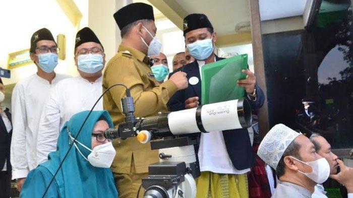 Lembaga Falakiyah PCNU Gresik Pantau Hilal Awal Syawal 1442 Hijriah di Bukit Condrodipo