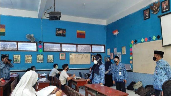 Terapkan Prokes, 80 Persen SD dan SMP di Kabupaten Gresik Jalani Pembelajaran Tatap Muka Hari Ini
