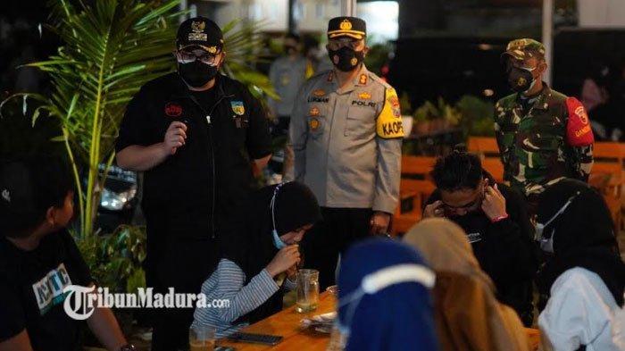 Bupati Kediri Beri Peringatan Keras untuk Kafe yang Melanggar Aturan PPKM Darurat di Kediri