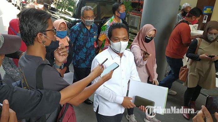 BREAKING NEWS: Bupati Lumajang Thoriqul Haq Diperiksa Penyidik Cyber Crime Ditreskrimsus Polda Jatim