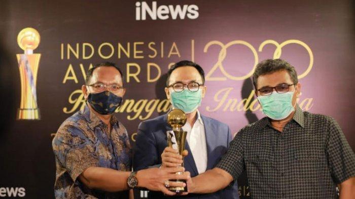 Bupati Pamekasan Raih Penghargaan di Ajang Indonesia Award 2020 dalam Bidang Pelayanan Masyarakat