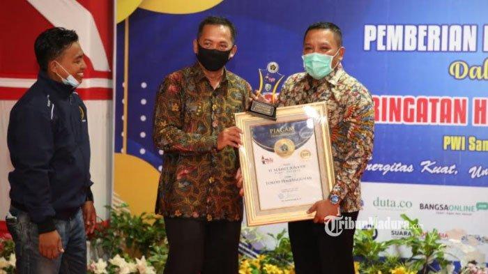 Bupati Sampang Raih Penghargaan Kategori Tokoh Pembangunan pada Golden Award PWI Sampang 2021