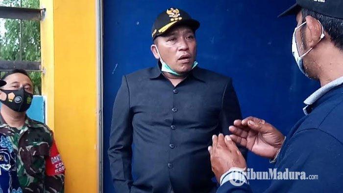 Bupati Sampang Slamet Junaidi saat menjalankan inspeksi mendadak di dua instalasi pompa banjir di Jalan Delima dan Desa Panggung, Kabupaten Sampang, Kamis (10/12/2020).