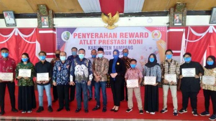Puluhan Atlet Berprestasi di Kejuaraan Regional dan Internasional Dapat Reward dari Bupati Sampang