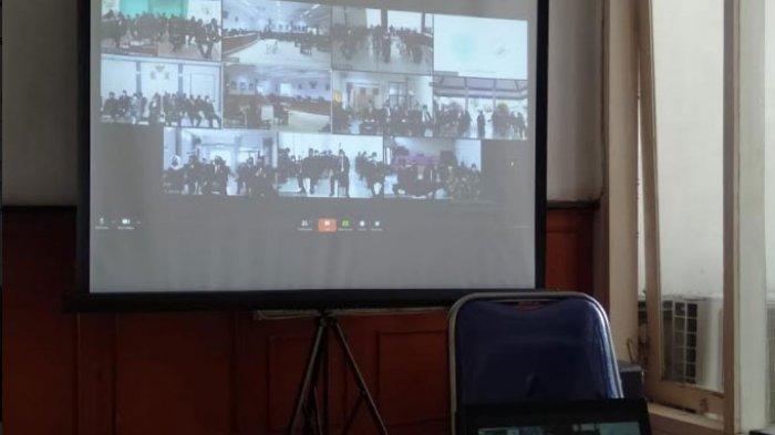 Bupati Slamet Junaidi MelantikRatusan Pejabat Sampang, Tingkatkan Kualitas Pelayanan Masyarakat