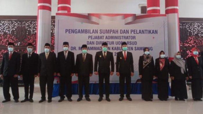 Bupati Sampang Slamet Junaidi Lantik 7 Pejabat Administrator dan Direktur RSUD dr. Mohammad Zyn