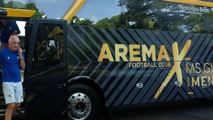 Mengintip Keistimewaan Bus Arema FC Musim ini, Ada Nama Pemain dan Pelatih di Kursi Penumpangnya