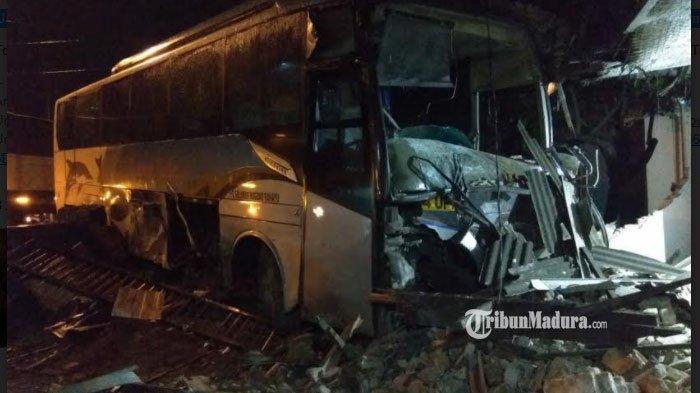 Kronologi Bus Sugeng Rahayu Tabrak Rumah Warga di Mojokerto, Ban Selip hingga Kondisi Sopir