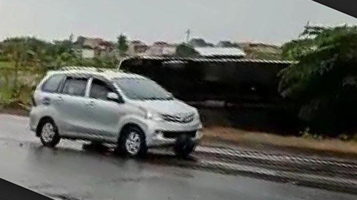 BREAKING NEWS - Kecelakaan Lalu Lintas di Tol Waru-Sidoarjo, Bus Terguling ke Bahu Jalan
