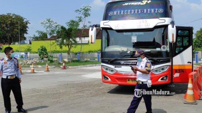 Curahan Hati Awak Bus Terminal Patria Kota Blitar, Berat Tapi Harus Taati Kebijakan Larangan Mudik