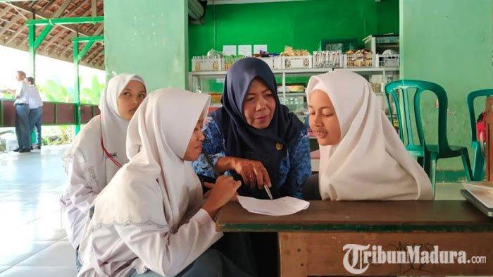 Ujian Nasional DihapusMendikbud, Guru dan Wali Murid di Pamekasan Dukung Kebijakan Nadiem Makarim