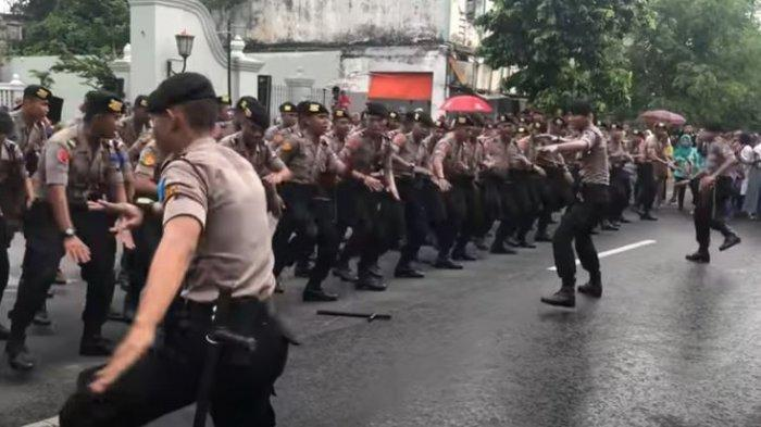 Chord Gitar dan Lirik Lagu Terpesona Aku Terpesona, Yel-Yel TNI Polri yang Sedang Viral di TikTok