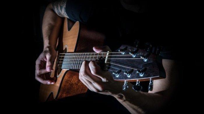 Chord Gitar dan Lirik Lagu Tinggal Kenangan Gaby, 'Jauh Kau Pergi Meninggalkan Diriku', Kunci dari C