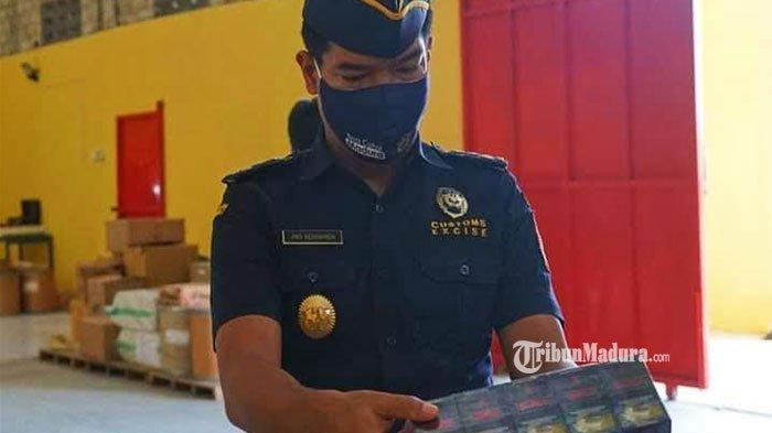 Bakesbangpol Pamekasan Sosialisasi UU Bea Cukai ke Sejumlah Ormas, Cegah Peredaran Rokok Ilegal