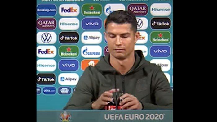 Cristiano Ronaldo Hanya Pindahkan Botol Soda, Coca-Cola Langsung Merugi Sekitar Rp 57 Triliun