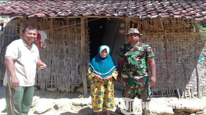 40 Tahun Hidup di Rumah Reyot 2 x 4 Meter, Warga Pamekasan ini Akhirnya Dapat 'Berkah' dari Tentara