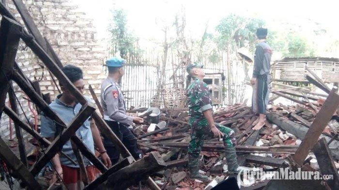 Desa Majungan Pamekasan Diguyur Hujan Deras dan Angin Kencang selama 5 Jam,Bangunan Dapur Roboh