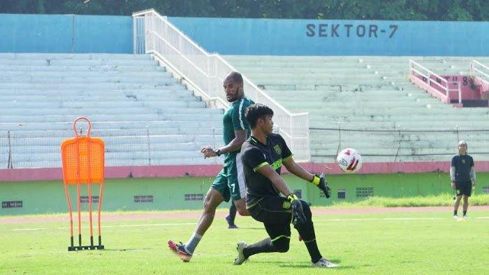 Laga Kontra Persija Jakarta Ditunda, Persebaya Gelar Latihan Panjang Melawan Persipura Jayapura