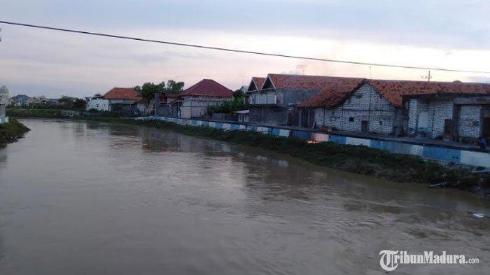 Debit Air Sungai Kemuning Mulai Menyusut,BPBD Sampang Pastikan Tidak Ada Banjir Susulan