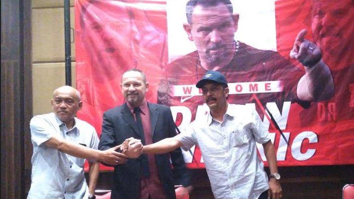 BREAKING NEWS - Dejan Antonic Resmi Ditunjuk Jadi Pelatih Madura United Musim Ini