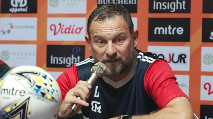 Pelatih Madura United Ingin Cepat Move On dari Pupusnya Rekor Unbeaten Usai Lawan Persipura