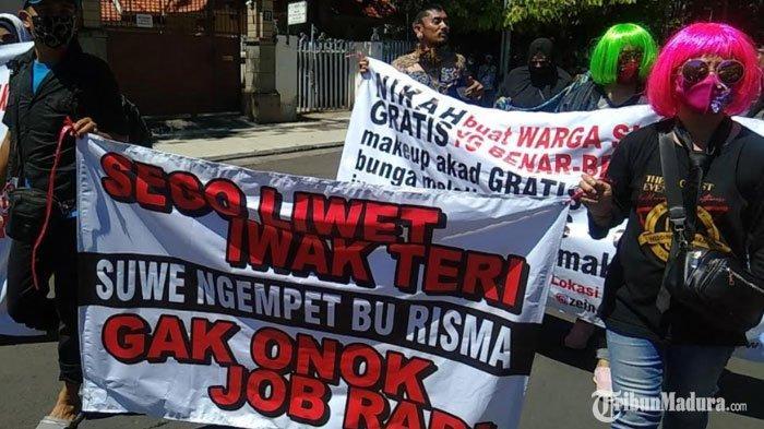 Massa dari Aliansi Pekerja Seni Mulai KepungBalai Kota Surabaya, Tuntut Hal ini dari Pemerintah