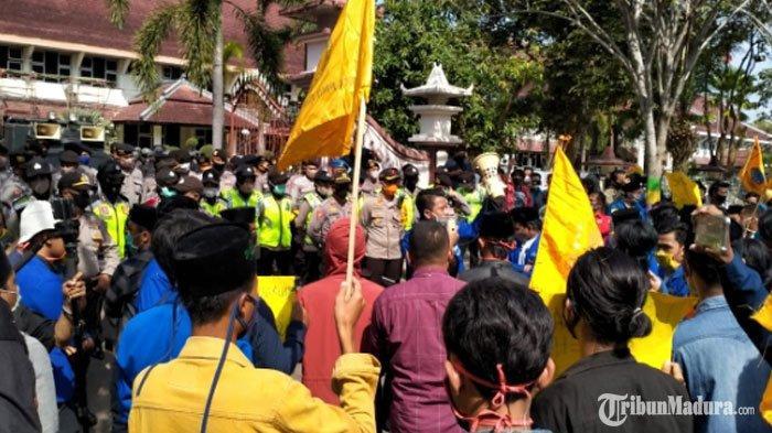 Demo di Kantor Pemkab Pamekasan, PMII Pamekasan Singgung Dugaan Aktivitas Tambang Galian C Ilegal