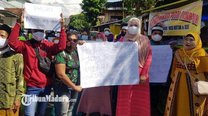 BREAKING NEWS - Ratusan Warga Demo di Kantor DPMD Sumenep, Tuntut Tiga Hal Soal Pilkades Karduluk