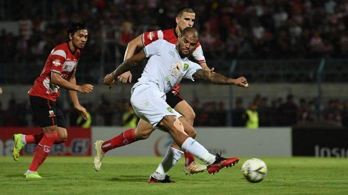 Persebaya Dramatis Kalahkan Madura United, Aji Santoso Sebut Karena Pergantian Efektif Pemain ini