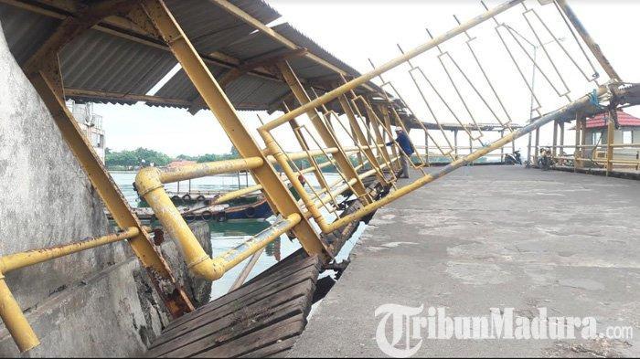 Dermaga Pelabuhan Kalianget Sumenep Rusak, Jembatan Sandaran Kapal Mau Ambruk dan Terus Dibiarkan