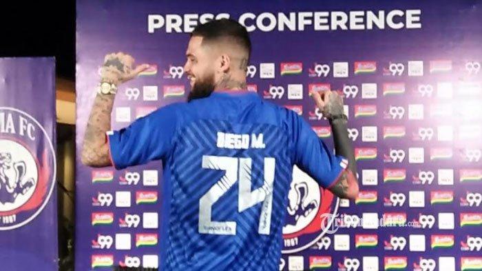 Gabung Arema FC, Diego Michiels Pakai Nomor Punggung 24, Ungkap Alasan Kesukaan hingga Hoki
