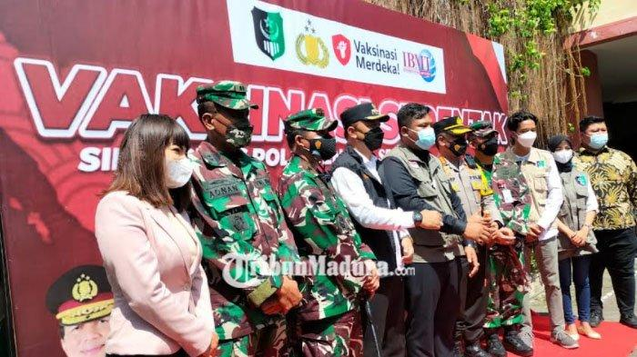 Polisi Datangkan Dinar Candy Saat Vaksinasi di Surabaya, Takjub Lihat Antusiasme Warga