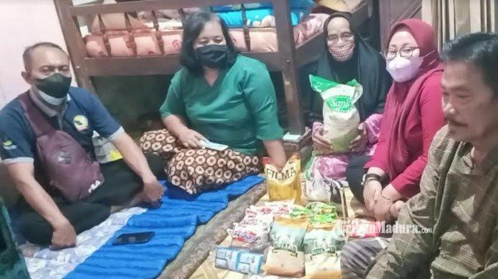 Nenek Sumirah, Lansia Sebatang Kara yang Belum Dapat Bantuan sejak Pandemi Akhirnya Didatangi Pemkot