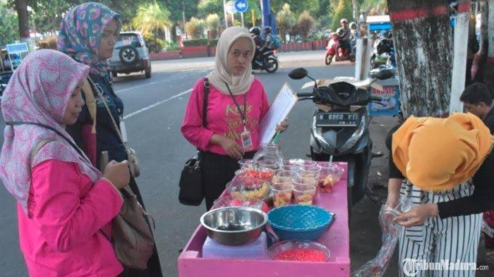 Waspada Zat Berbahaya Terkandung dalam Makanan dan Minuman di Pasar Takjil saat Bulan Ramadan