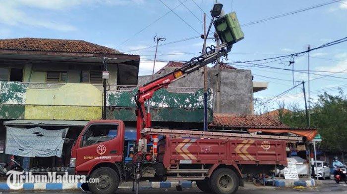 Ratusan Penerangan Jalan Umum Bertenaga Surya Bakal Terpasang di Jalan Pantura Sampang